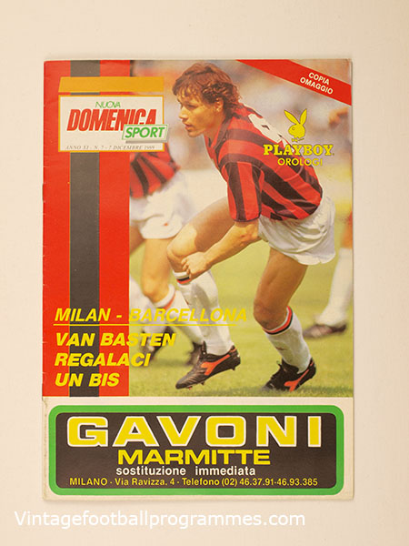 1989 UEFA Super Cup Final 'A.C Milan vs Barcelona' Programme 'Nuova Domenica' Edition football programme