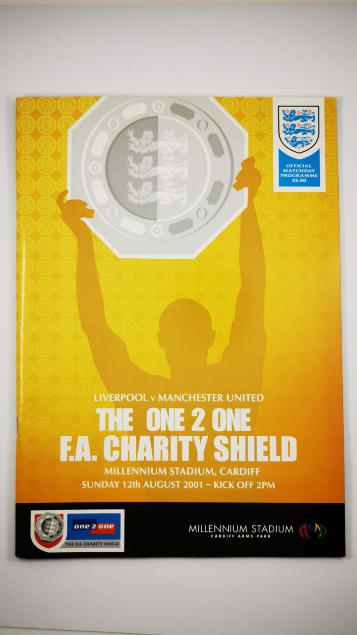 2001 Charity Shield Liverpool vs Manchester United programme football programme